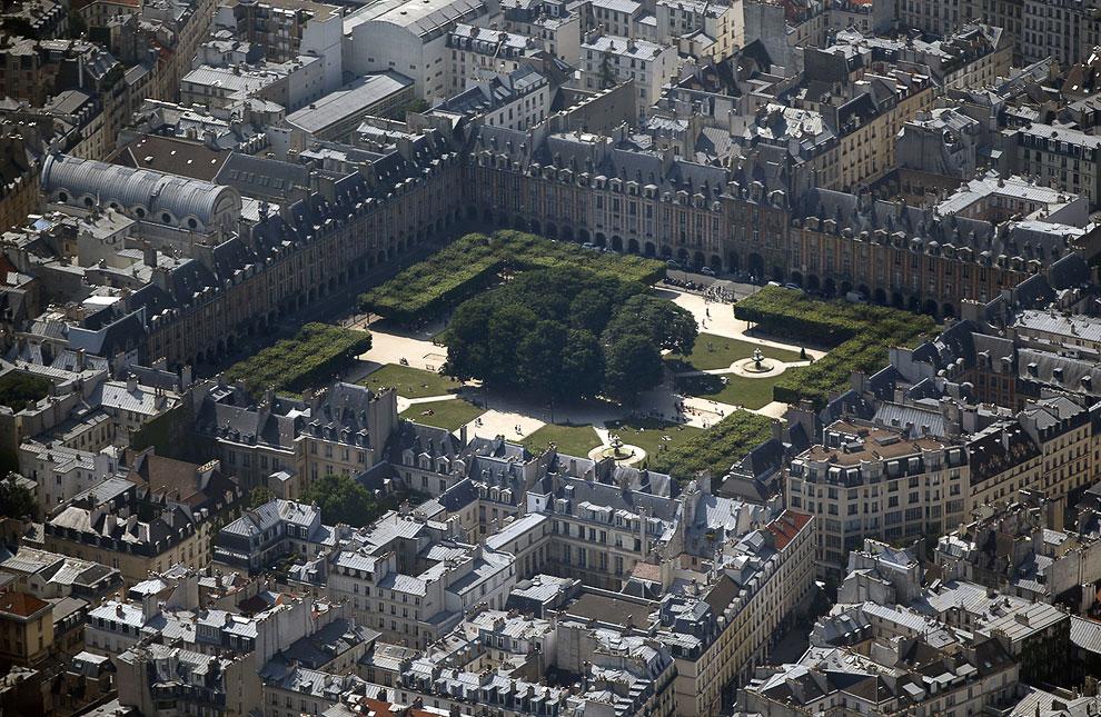 Площадь Вогезов — самая старинная площадь Парижа