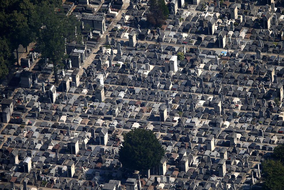 Кладбище Монпарнас — одно из самых известных кладбищ Парижа