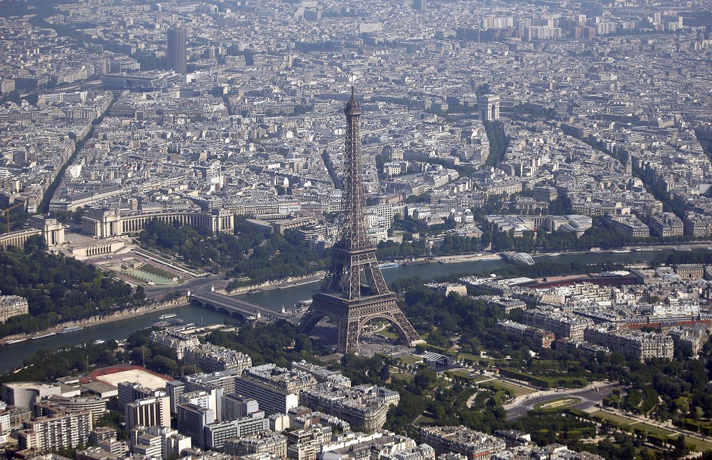Эйфелева башня Сена и вид на Париж