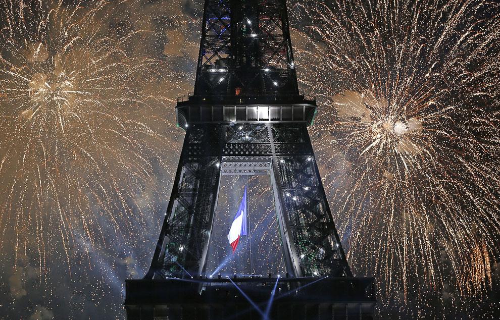 Это был Париж с высоты птичьего полета