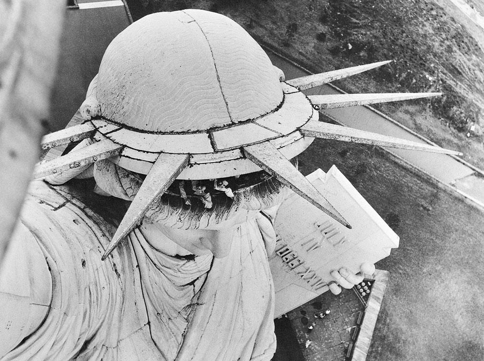 7 сентября 1937 года площадь национального памятника была увеличена и распространилась на весь остров Бедлоу, который в 1956 году был переименован в остров Свободы