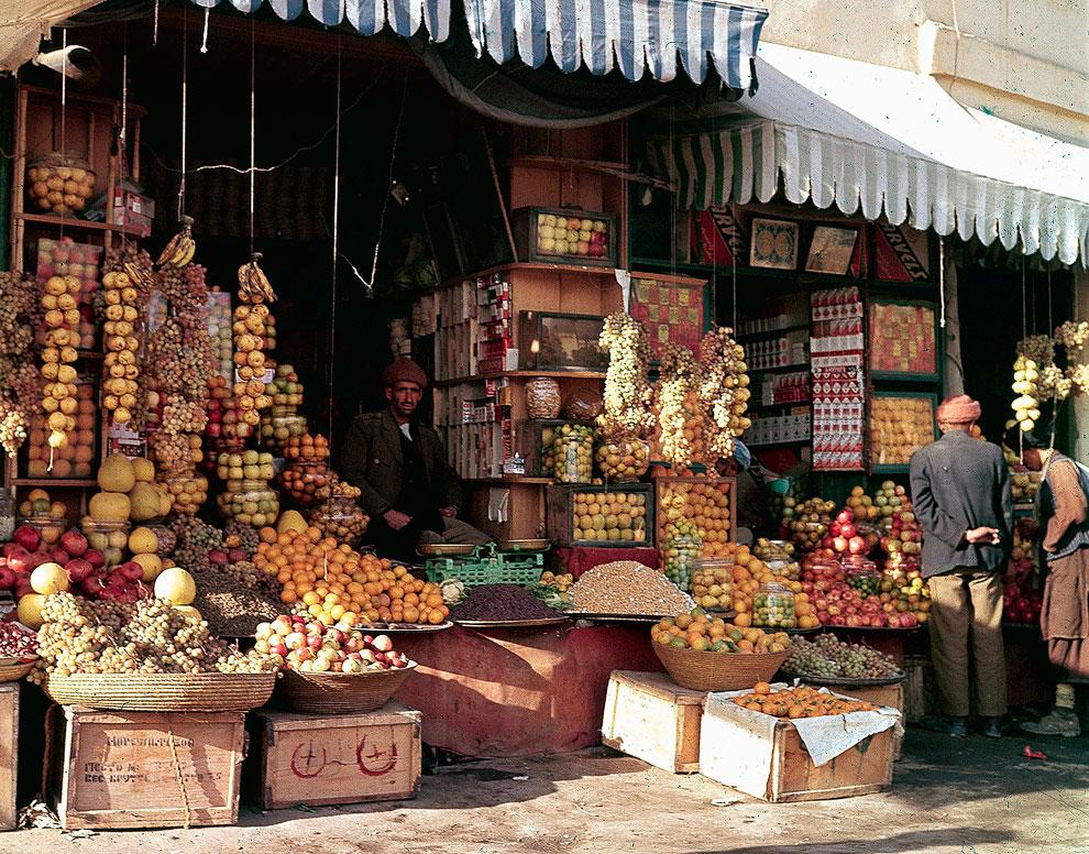 Продавец фруктов и орехов в Кабуле