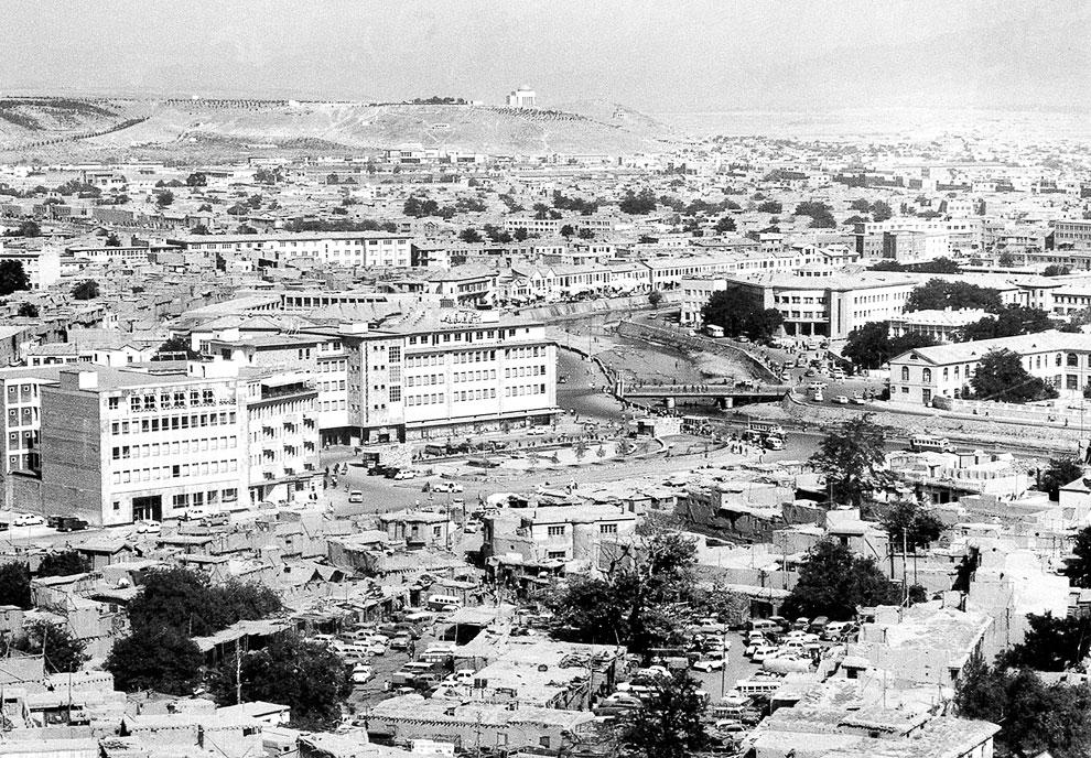 Панорамный вид на Кабул с новыми и старыми зданиями, август 1969 года