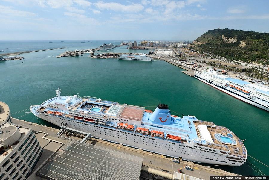 Морской порт столицы Каталонии
