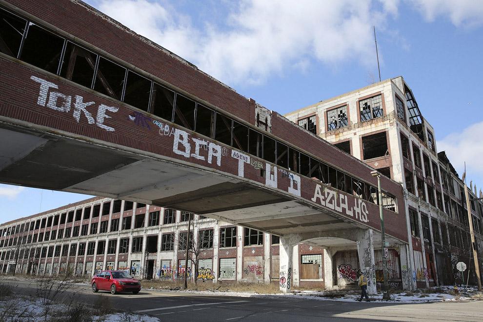 Заброшенные корпуса автомобильного завода «Паккард»