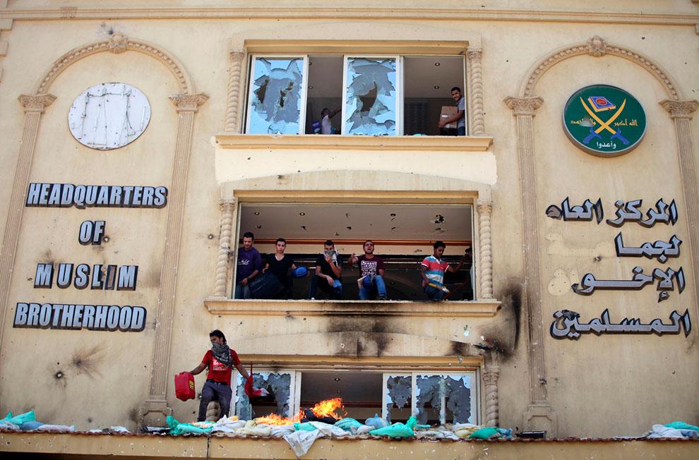 Захваченная штаб-квартира движения «Братьев-мусульман», представителем которого является президент Мохаммед Мурси