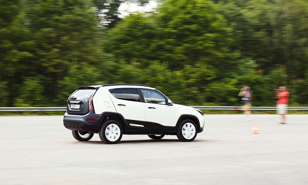 Максимальная скорость автомобиля всего 130 км/ч