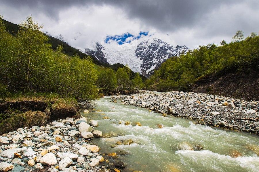 Ледник Адиши на Кавказе