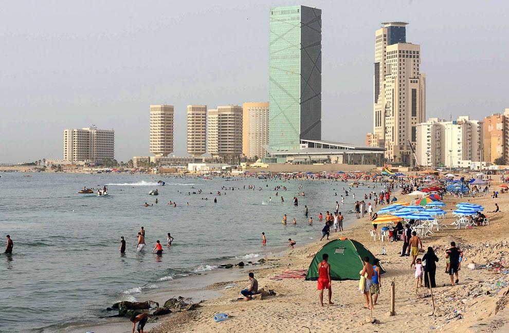 Вид на побережье в Триполи