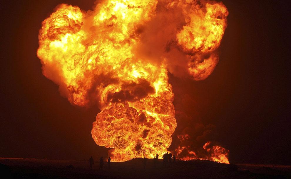 А иногда взрывают нефтепроводы
