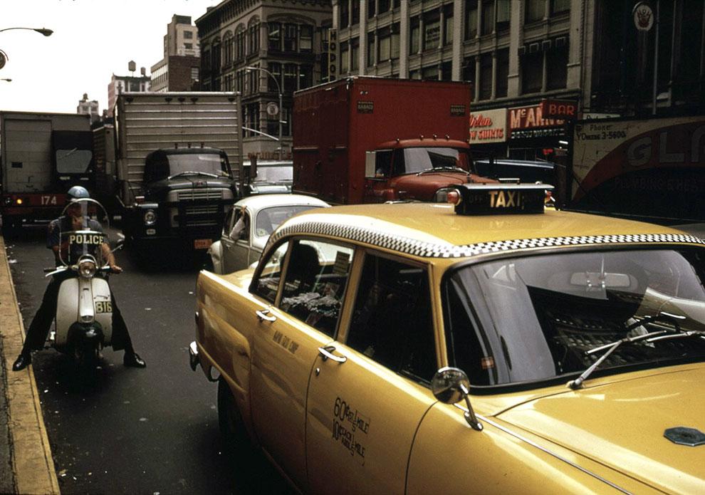 Плотный траффик в Нью-Йорке в апреле 1973 года