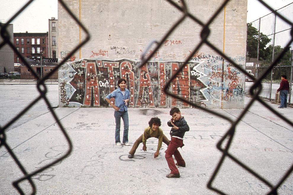 Детвора в Бруклине в июне 1974 года