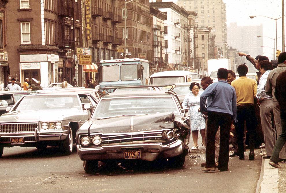 ДТП на оживленной улице в Гарлеме, май 1973 года
