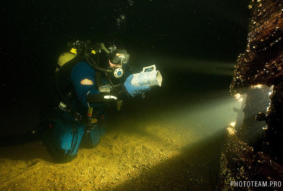 Вот фарфоровый кувшин с затонувшего корабля