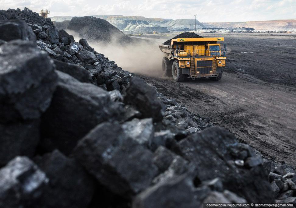 Подорож на вугільний розріз в Казахстані