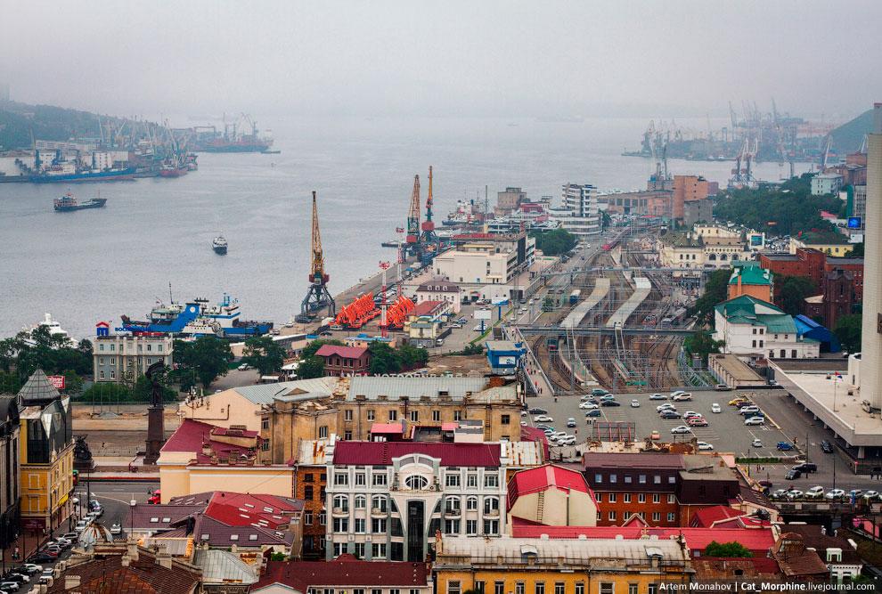 Железнодорожный вокзал станции «Владивосток» и Морской вокзал