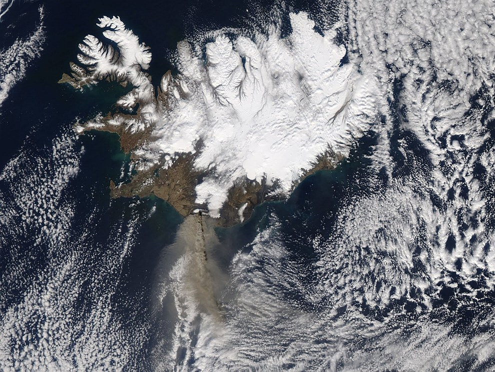 Извержение вулкана Эйяфьядлайёкюдль, Исландия