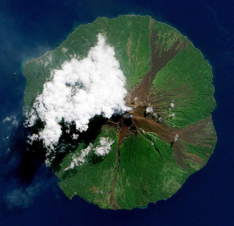 Вулкан Манам, Папуа — Новая Гвинея