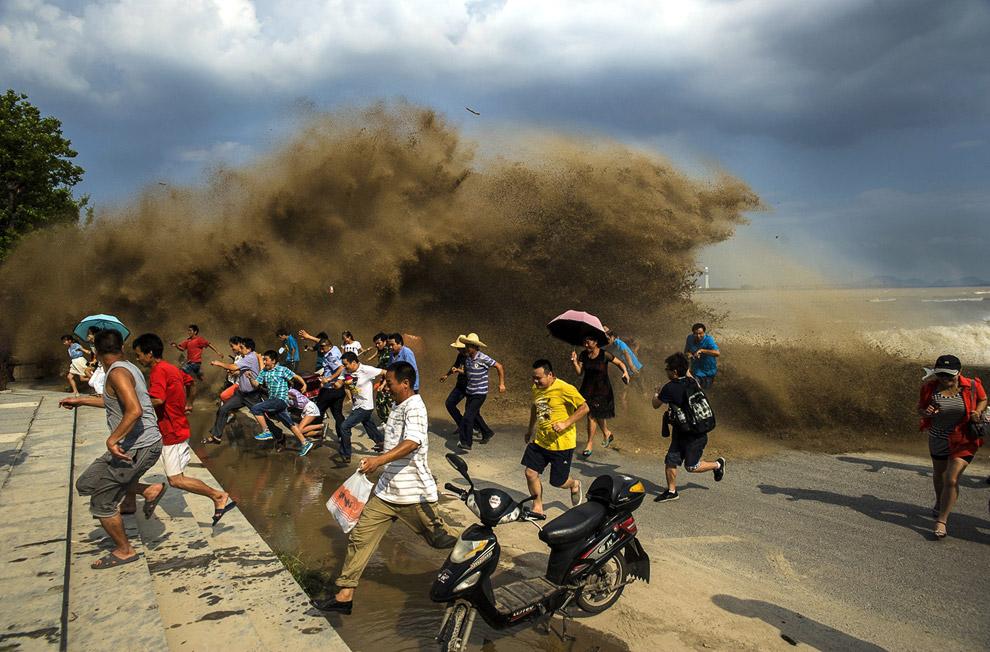 Приливная волна на реке Цяньтан