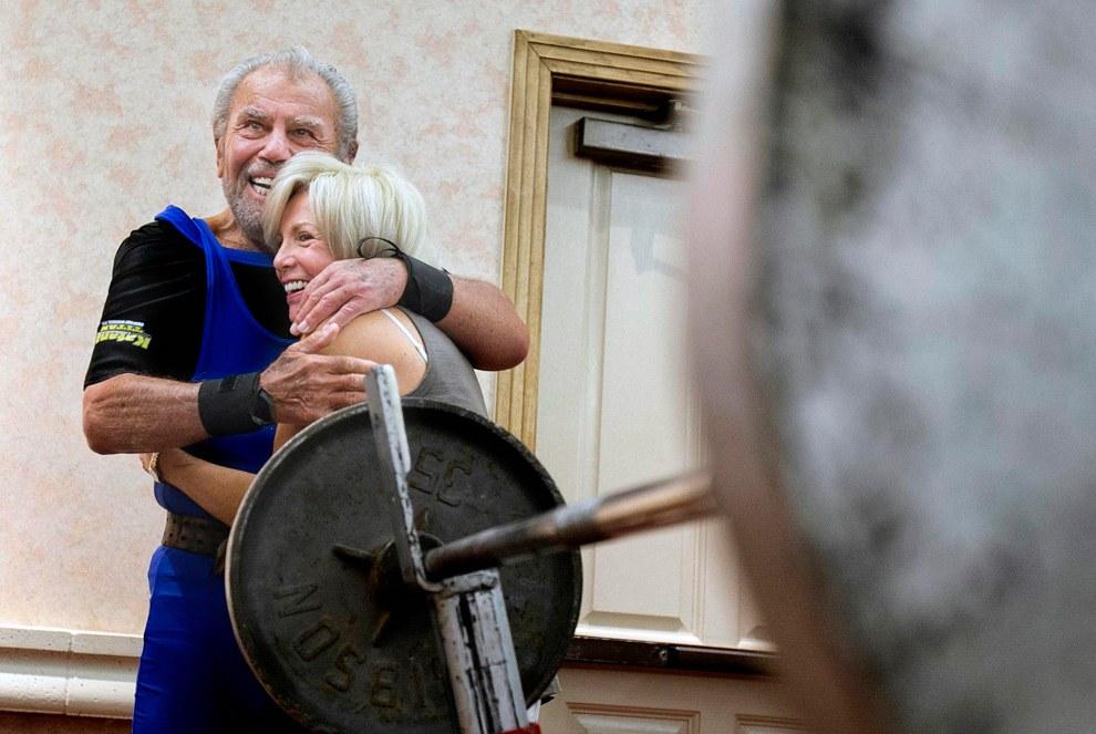 8 июня 91-летний тяжелоатлет из Аризоны установил новый рекорд по жиму лежа среди людей, старше 90 лет — 85 кг