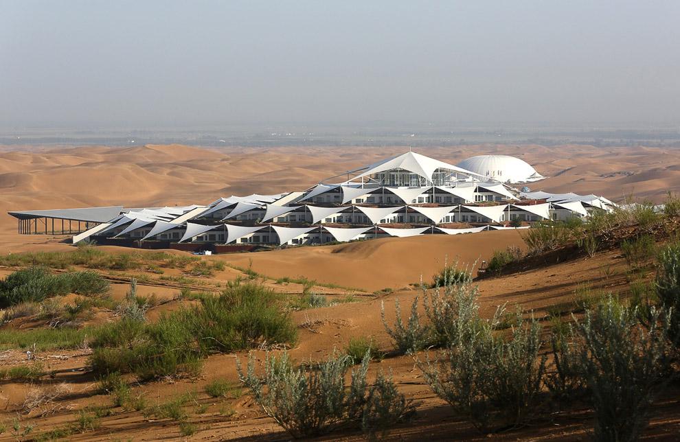 Отель Песчаный Лотос и курорт в пустыне Xiangshawan