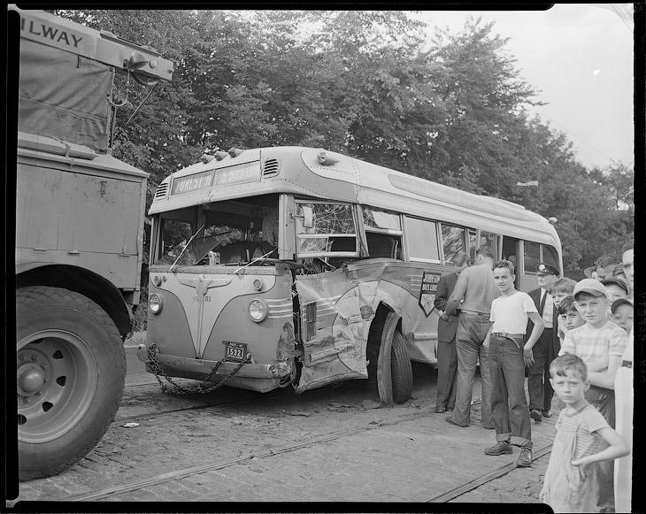 Авария 1947 года с автобусом