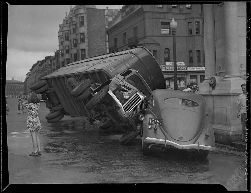 Автомобильная авария 25 марта 1942 года
