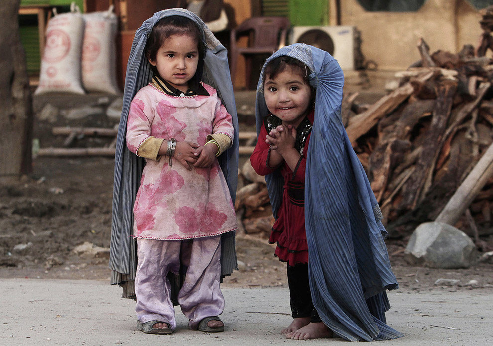 Девочки на окраине Джелалабада