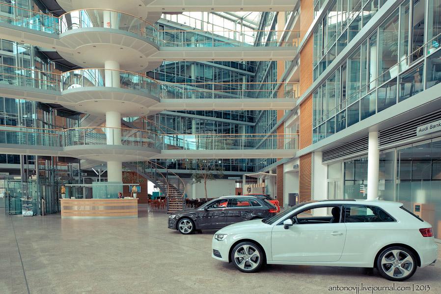 Здесь можно посидеть в любом автомобиле который на данный момент выпускается, даже в Audi R8 roadster