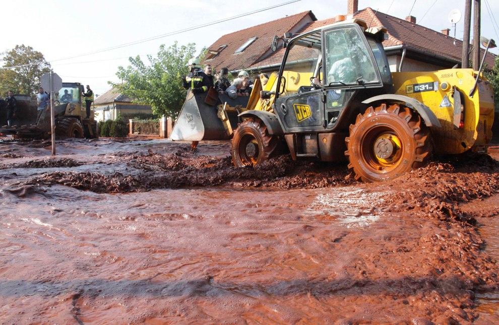 04 de outubro de 2010 no oeste da Hungria, houve um grande desastre ecológico