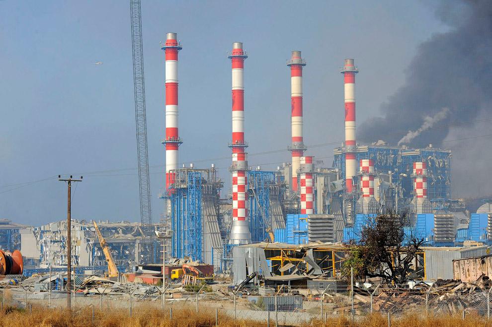 Разрушенная электростанция Mari на Кипре, 2011 год
