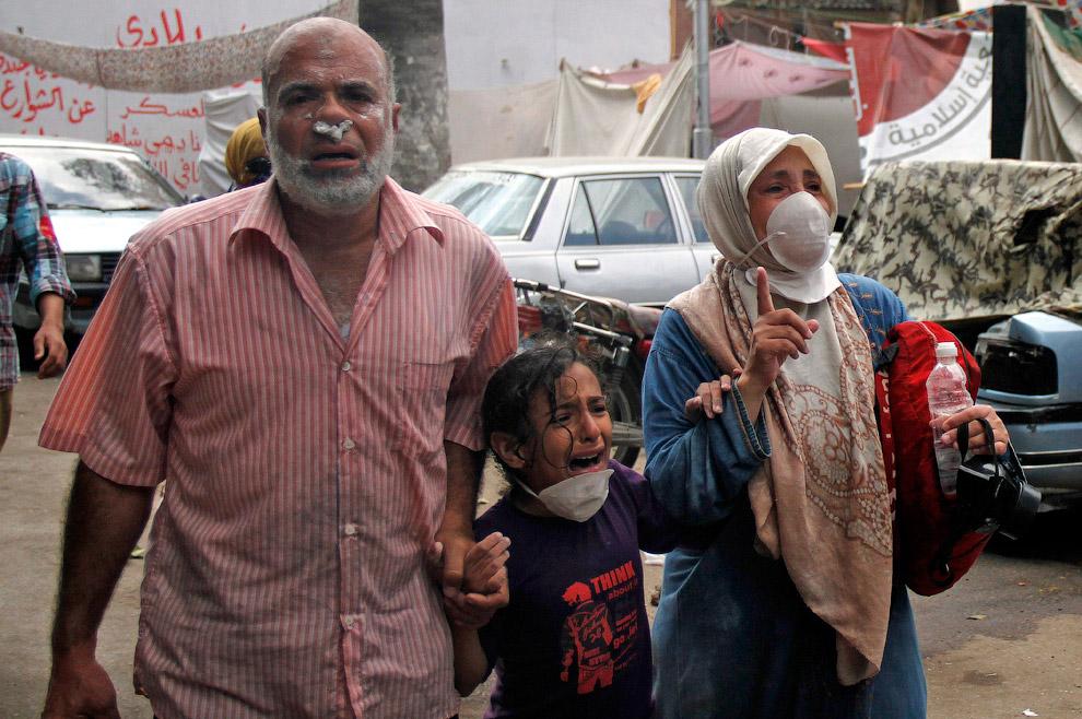 У сторонников свергнутого президента Мухаммеда Мурси другие данные - почти 3 000 убитых и более 10 000 раненых