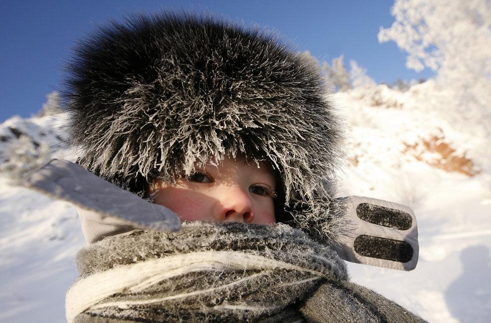 Зимой по берегам Енисея нужно ходить подготовленным
