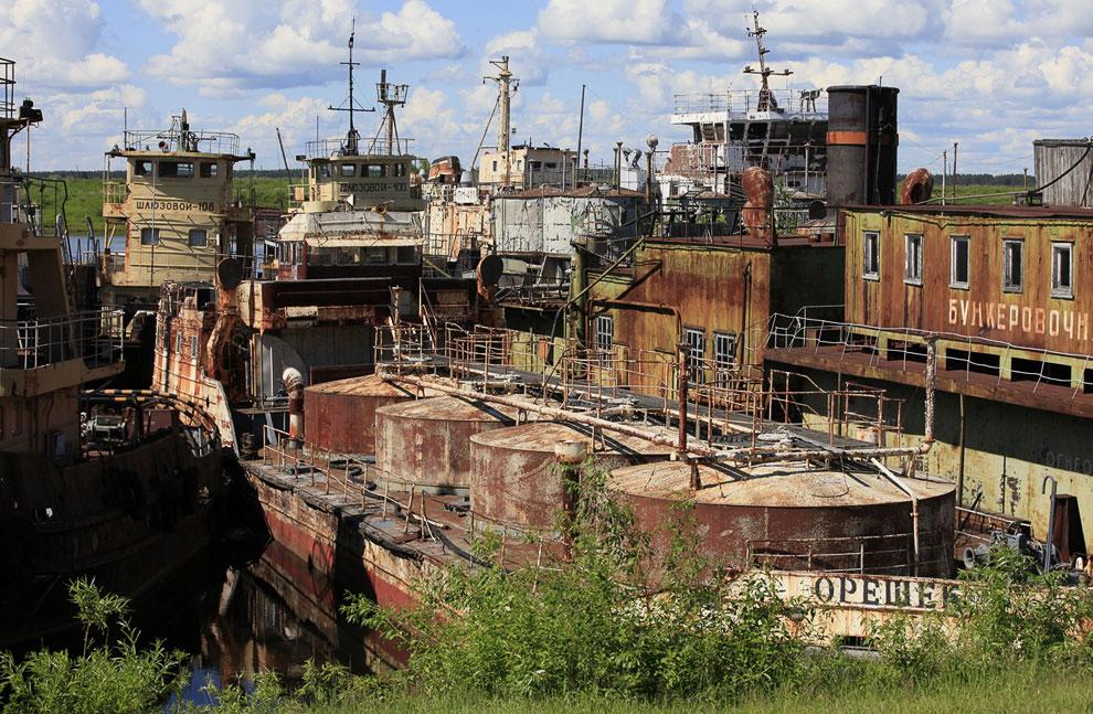 Заброшенные корабли российского речного флота