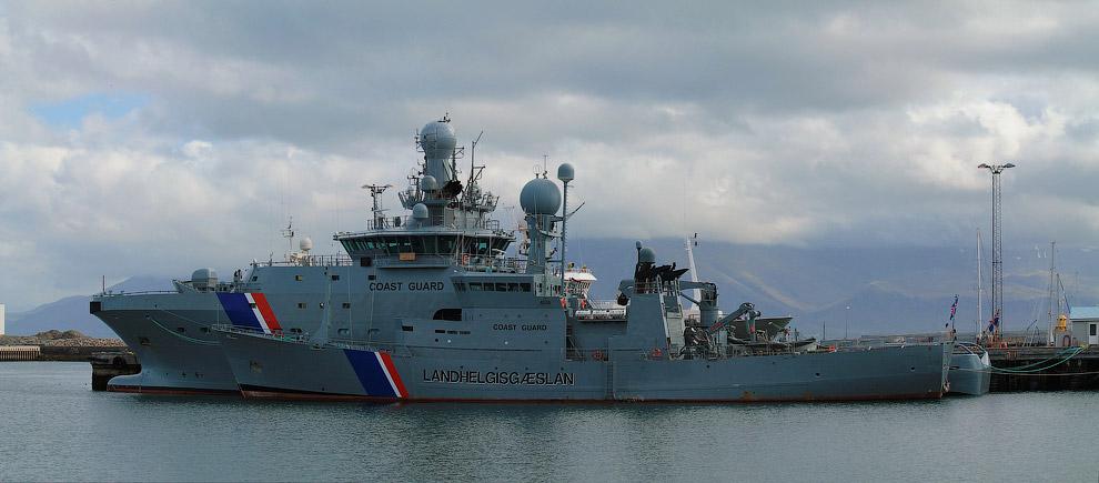 Reykjavik-harbour-19s