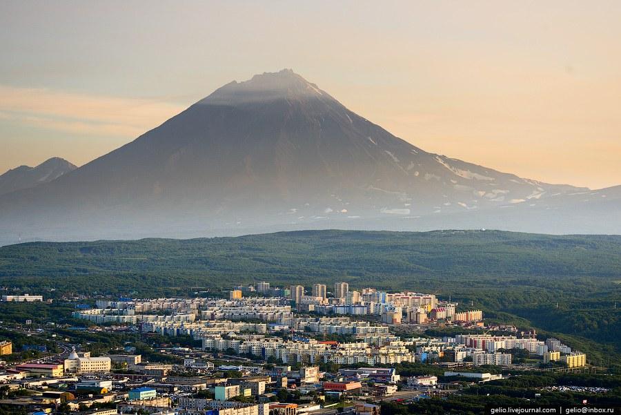 Действующий вулкан Корякский