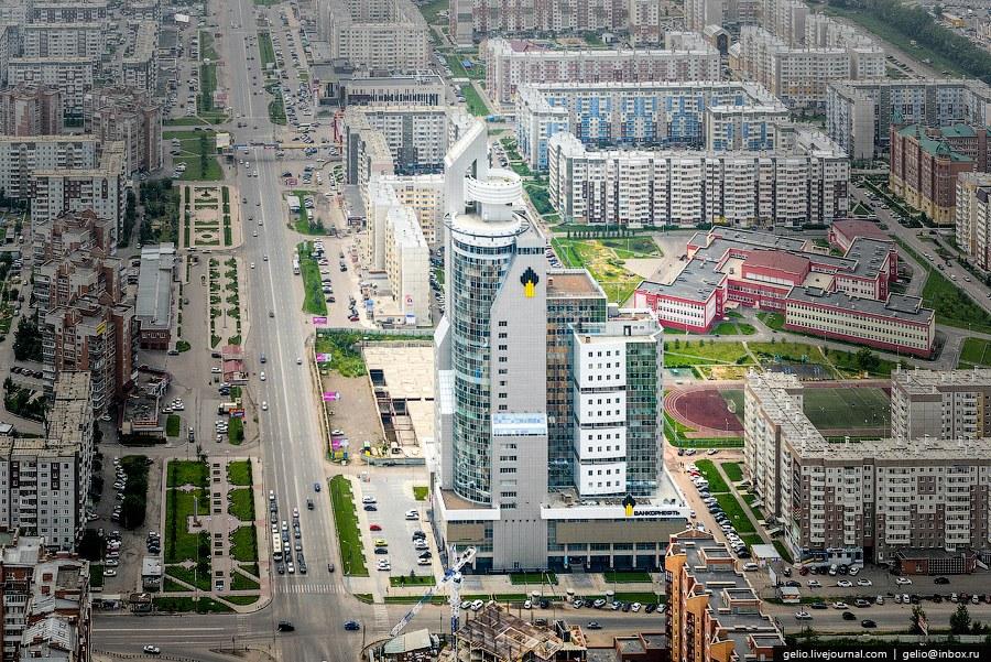 До сих пор это самое высокое за Уралом здание