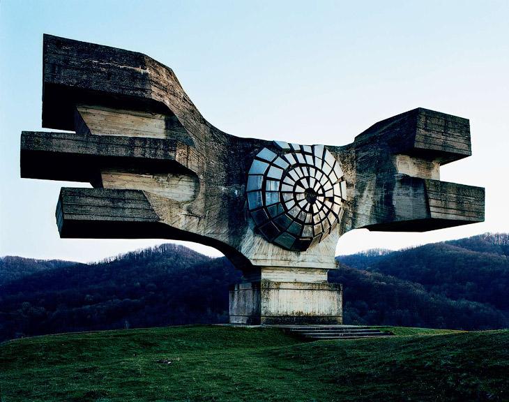 Футуристические военные мемориалы бывшей Югославии