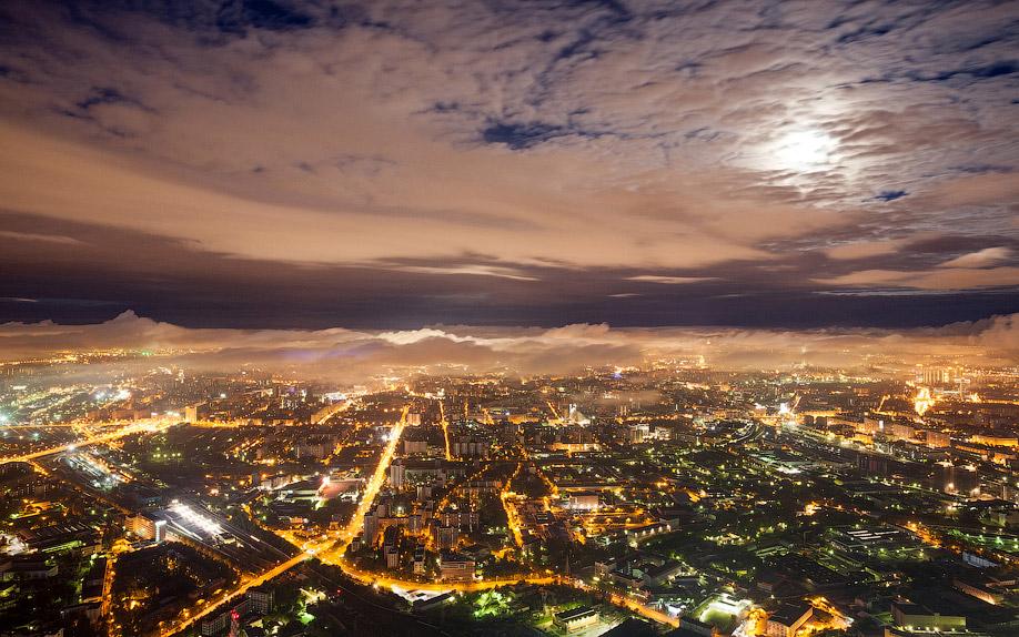 Москва в облаках