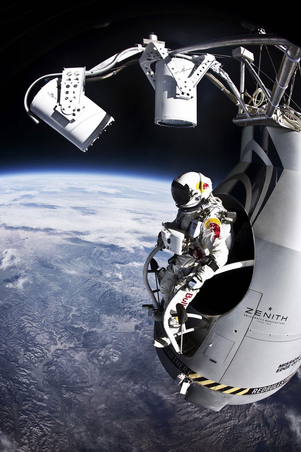 Полет Феликса Баумгартнер: самый высокий прыжок в истории
