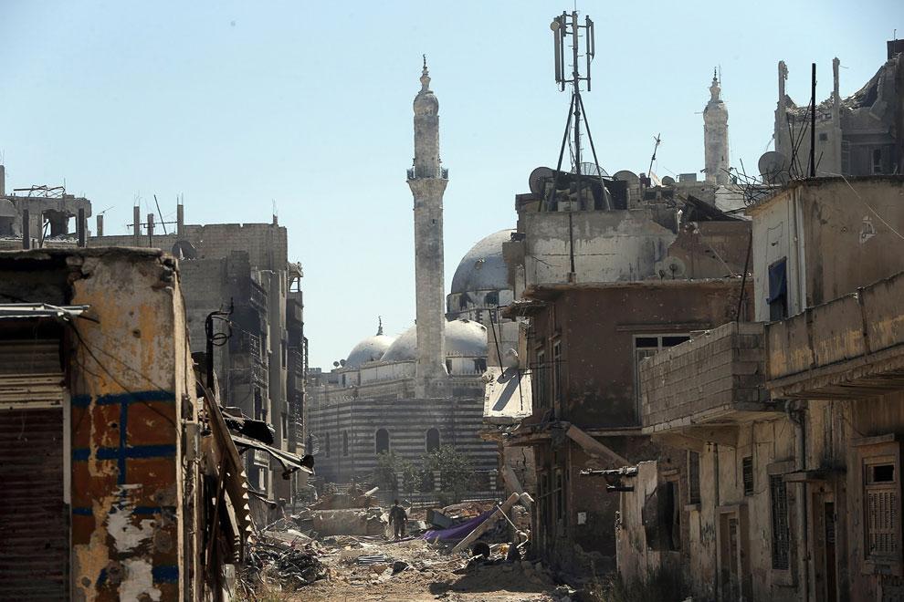 Город Хомс, ранее известный как Эмеса, впервые упоминается около 2300 года до н.э. Сейчас центр древнего города выглядит примерно так