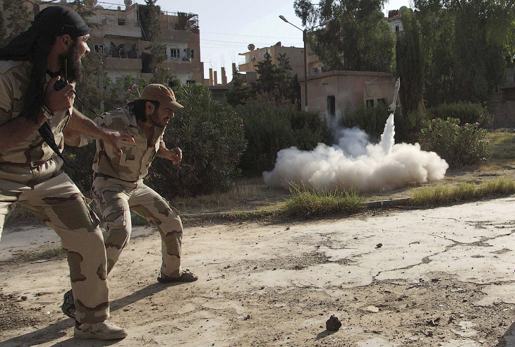 Режим президента Башара Асада сохраняет контроль над коридором, идущим с севера на юг вдоль побережья Средиземного моря, в то время как значительная внутренняя часть Сирии и юго-запад страны остаются в руках мятежников