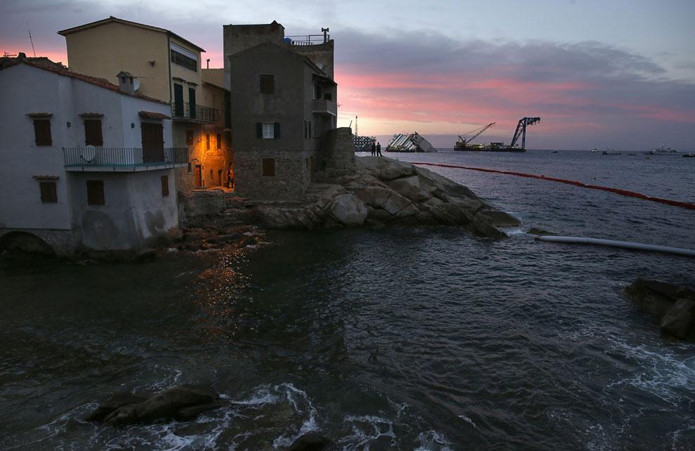 Вид около острова Джильо у берегов области Тоскана в Италии