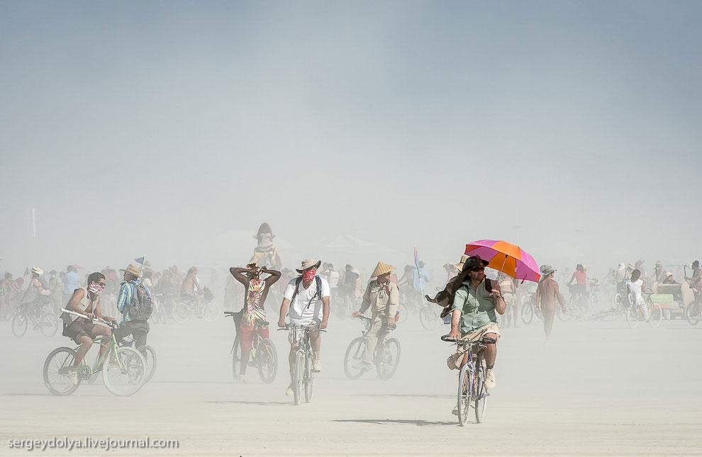 Невероятный транспорт на Горящем человеке 2013