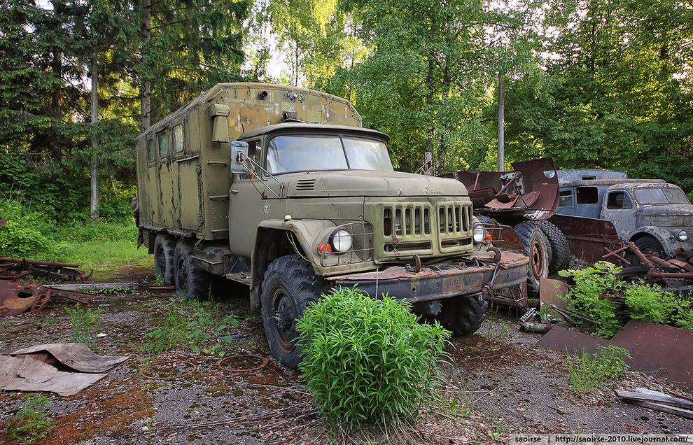 Армейский грузовик ЗИЛ-131