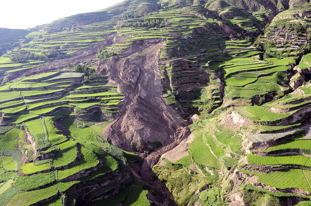 22 июля 2013 в китайской провинции Ганьсу, в центральной части страны произошло землетрясение магнитудой 6.6