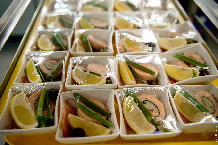 Как готовится самолетная еда