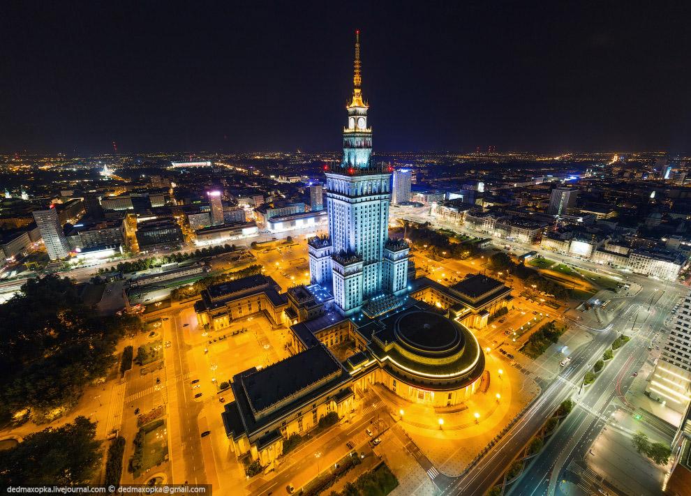 Дворец культуры и науки — сталинская высотка, подарок Польше от СССР