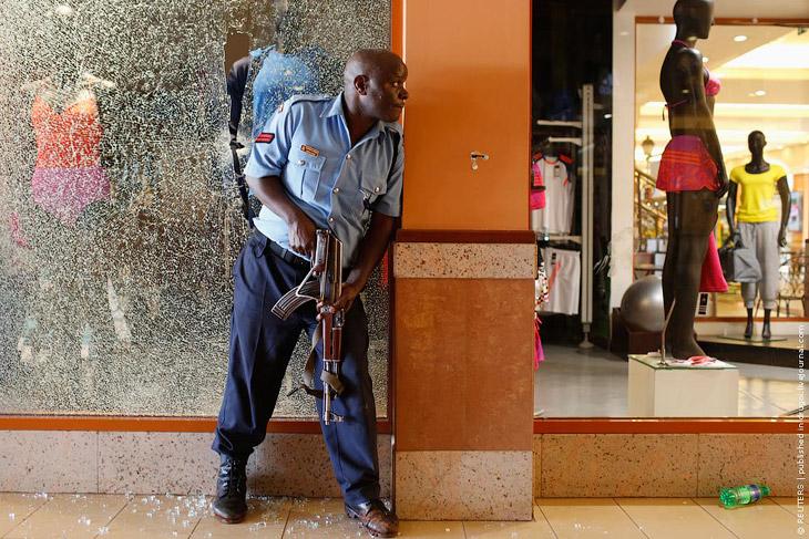 Бойня в торговом центре в Найроби