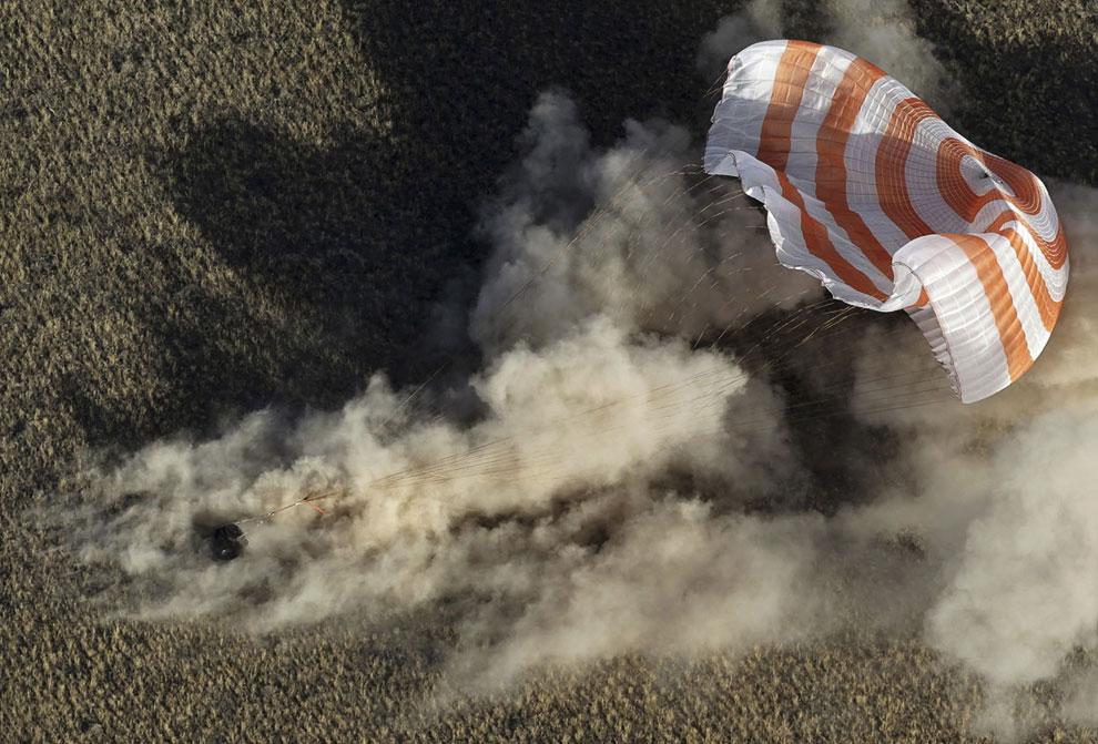 И вот в Казахстане успешно приземлилась спускаемая капсула с участниками 36-й экспедиции на МКС